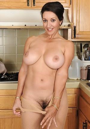 Big Boobs Kitchen Porn Pictures